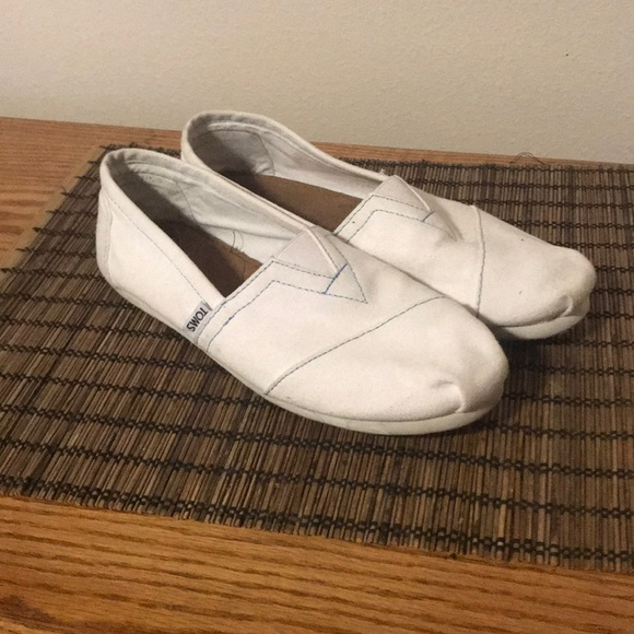 Toms Shoes   Nwob White Tom Slip Ons